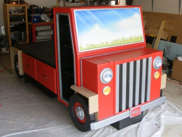 Its a Truck! (and a bed, a dresser, two bookcases, a toy box and 11 months of one Dads life...) - Continued!