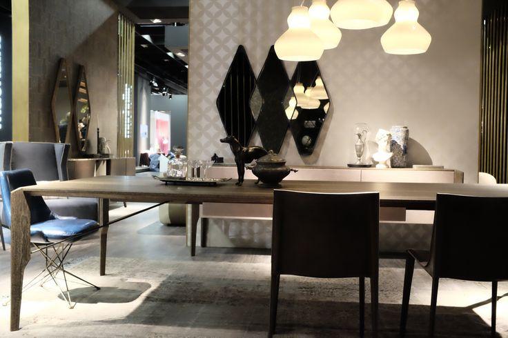 Glorious dining table http://www.arketipo.com/prodotti/tavoli-35/4321792C-5262-42EF-BA41-05CC5C7D63CB/glorious#arketipo