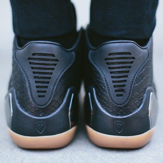 Nike Kobe 9 Mid EXT 'Snakeskin'