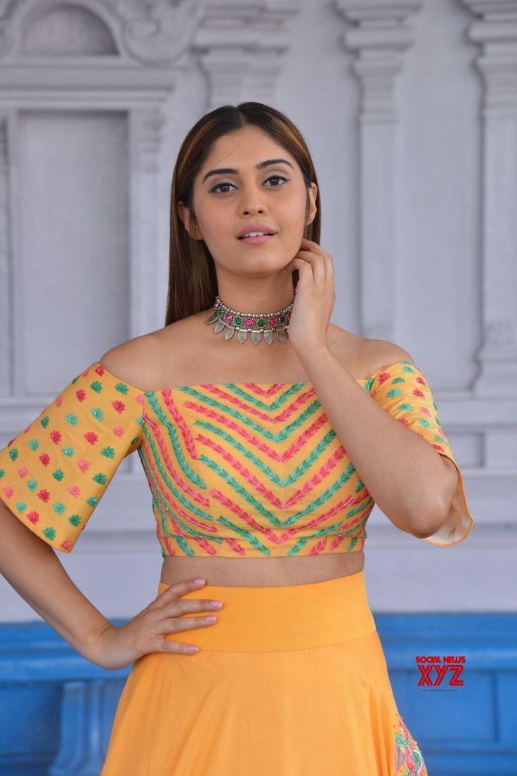 Actress Surabhi Stills - Social News XYZ
