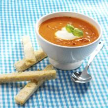 Tomatsuppe med basilikum | TINE.no