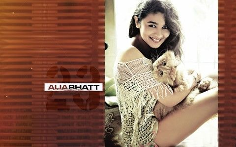 Alia Bhatt Cute Desktop Wallpapers