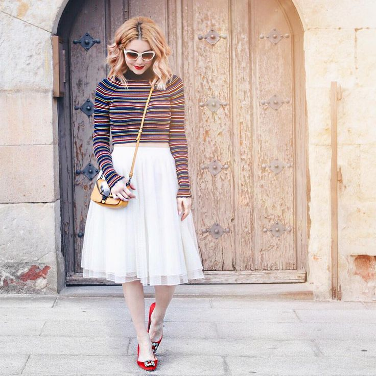 "3,288 Me gusta, 18 comentarios - Olga Victoria 🦄 #DirtyEjercito (@dirty_closet) en Instagram: ""LOTD  Gafas @tresnoir_usa  Jersey & bolso @zara (rebajas) Falda @zara (old)  Zapatos…"""