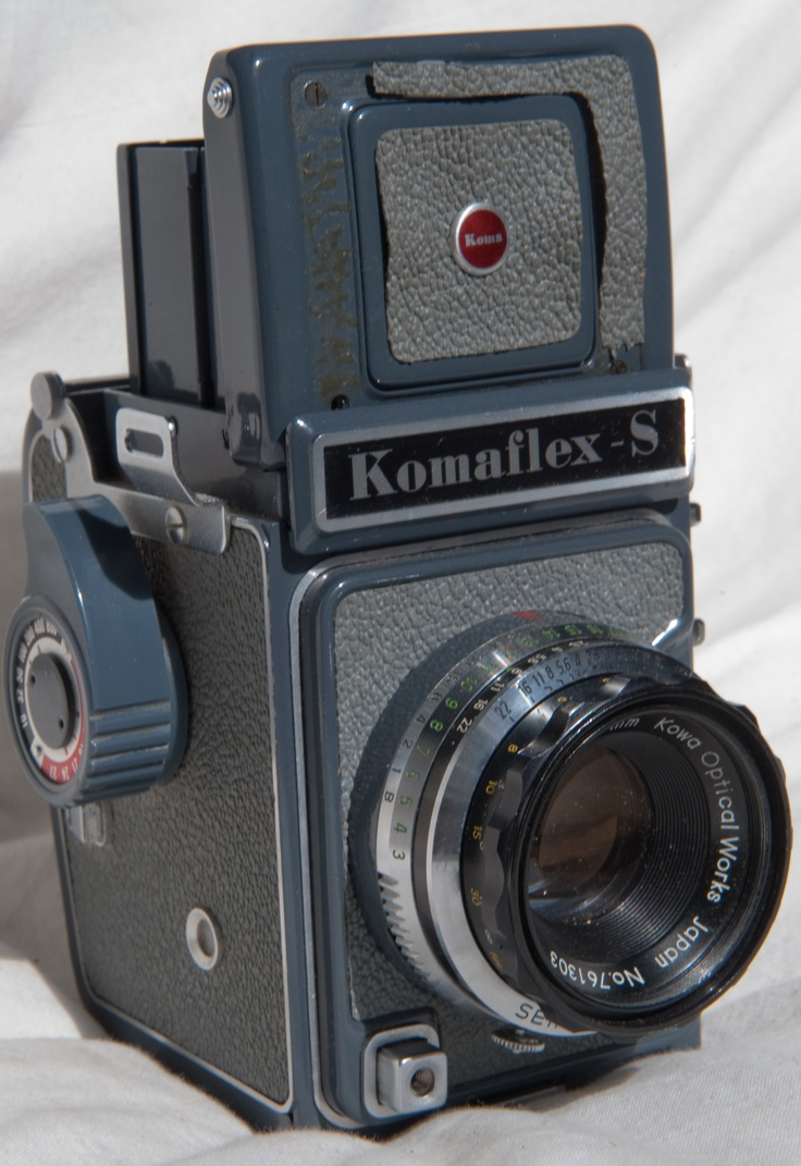 1960s Komaflex-S: Camera passed down to me from my great-uncle