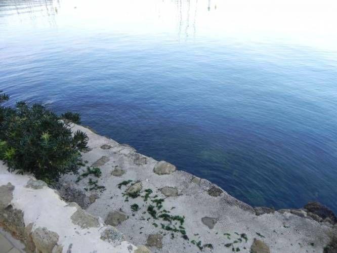 205 best images about propri t s de prestige sur le bord for Agnes b la maison sur l eau