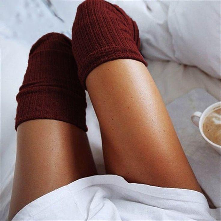 Große Frauen in Socken Fetisch