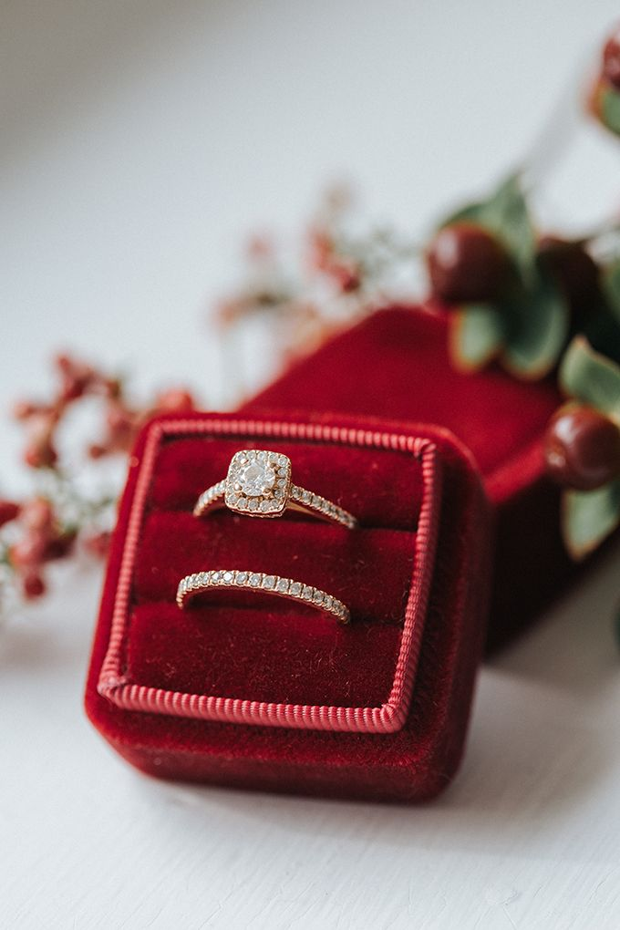 Red Velvent Mrs Box and engagement ring | Jenna Brianne Photography on @glamourandgrace