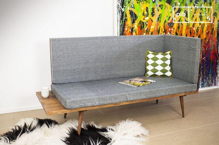 La Panca Sensilä Reverso è un pezzo di arredamento che si aggiunge alla decorazione d'epoca scandinava del vostro salotto o del vostro corridoio.