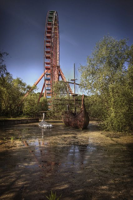 Abandoned theme park. ThE DaY The FUn StoPEd:: by andre govia on Flickr