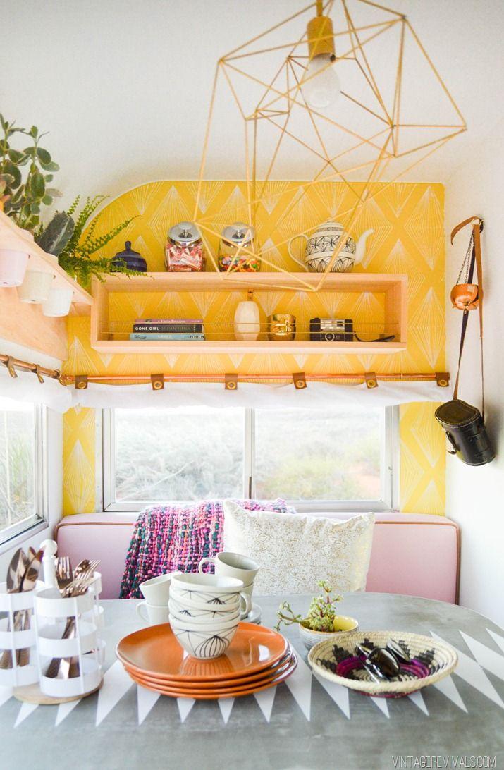 Pendant 4 mois et demi elle travaille à la transformation d'une vieille roulotte en un coin de paradis - Joli Joli Design