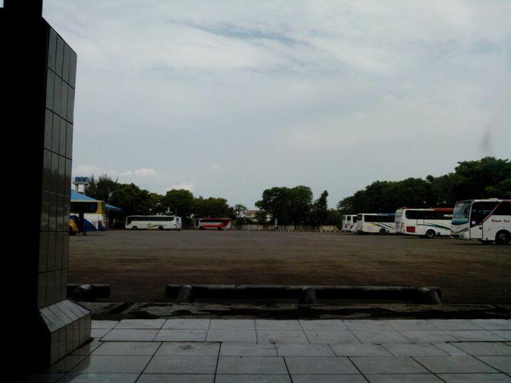 Terminal Tegal - Bus Parkir
