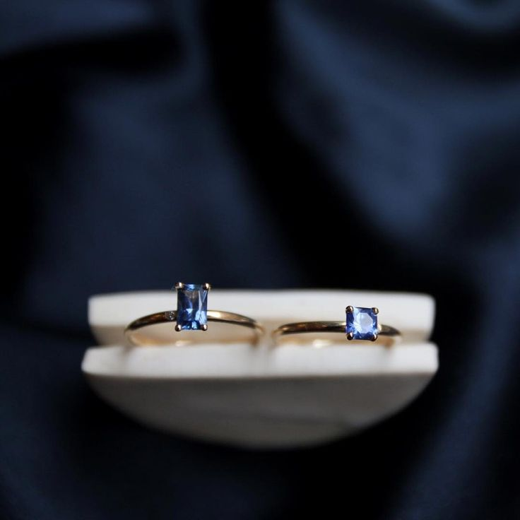 It is not hard to see why these Royal blue (kungsblå) and Cornflower Blue (blåklintsblå) sapphires are considered the most…