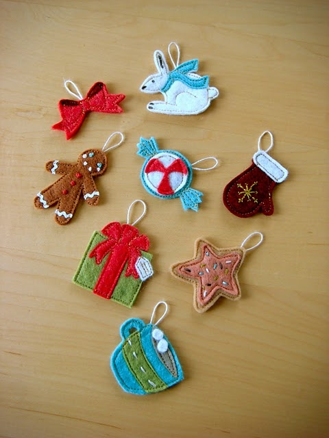 Felt Advent Calendar with ornaments to hang up each day- MUST DO!