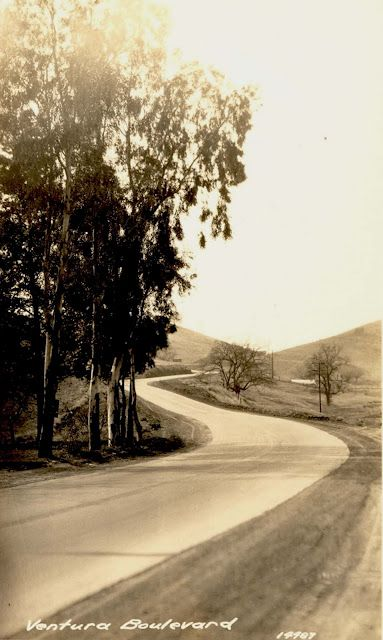 Ventura Boulevard in Woodland Hills during the Valley's early years.