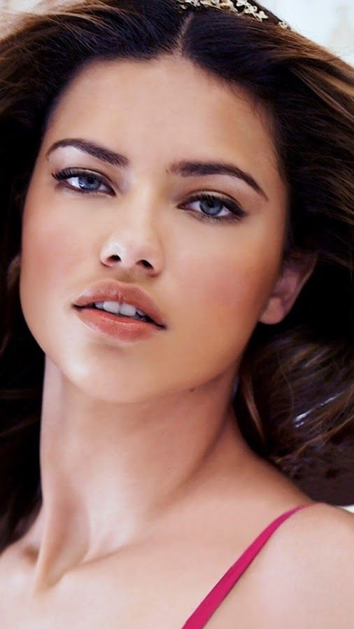 """ADRIANA LIMA HOT MODEL 1136x640 - BRAZIL Adriana Lima Model Adriana Francesca Lima is a Brazilian model and actress who is best known as a Victoria's Secret Angel since 2000, and as a spokesmodel for Maybelline cosmetics from 2003 to 2009.  Born: June 12, 1981 (age 32), Salvador, Bahia, Brazil Height: 5' 10"""" (1.78 m) Spouse: Marko Jarić (m. 2009) Children: Sienna Lima Jarić, Valentina Lima Jarić Parents: Maria da Graça Lima, Nelson Torres"""