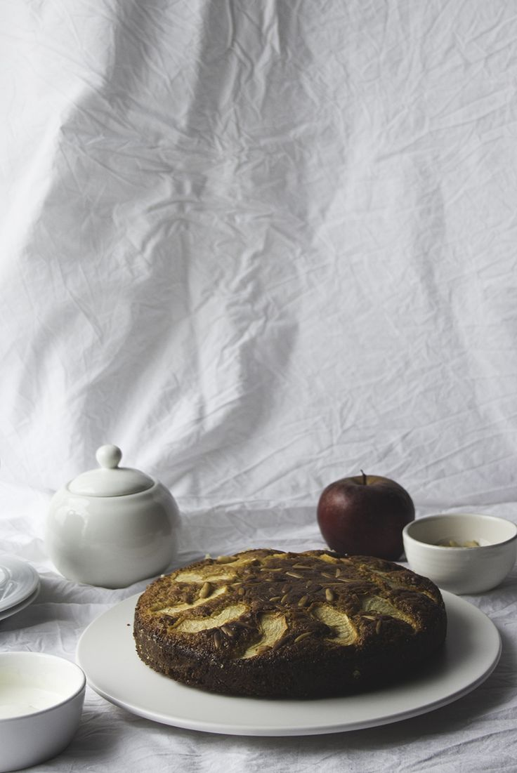Apple & Pine Nut Cake | Migalha Doce