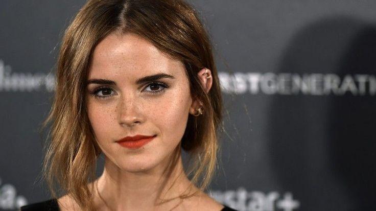 Emma Watson cria clube de leitura feminista aberto a todos os fãs - Observador