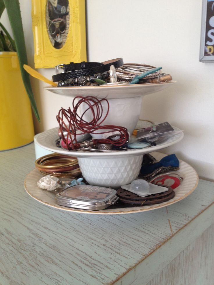 Made by me! Clever idea for odd plates and cups. I use it for earings, braclets and such
