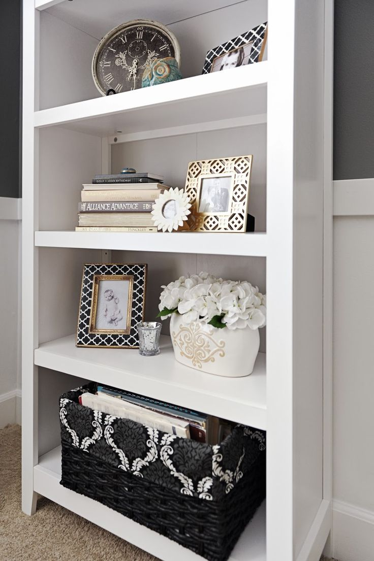 Best 25 decorating a bookcase ideas on pinterest Shelf decorating ideas living room