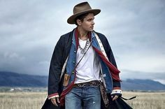 John Mayer: Multiple Grammy awards, individual style, appealing lyrics and some great music works makes him an icon