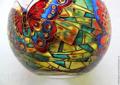 Купить или заказать Подсвечник 'Бабочки' в интернет-магазине на Ярмарке Мастеров. Изысканный аксессуар, который хранит тепло человеческих рук, ведь он выполнен вручную, оживит интерьер и привнесет в него уют и истинно домашнюю атмосферу.Изготовлен из силикатного стекла (Na Ca). Роспись выполнена специальными витражными красками по стеклу. Свеча …