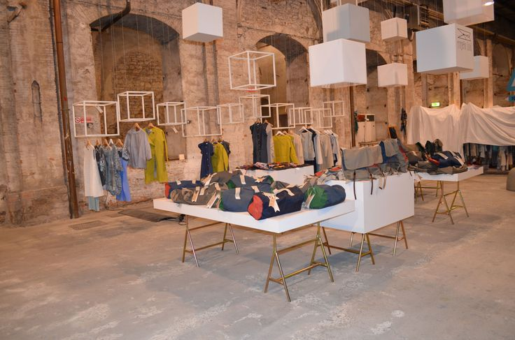 From 1 to 4 July 2015 the Stazione Leopolda in Florence will hold the26th edition of Vintage Selection, one of the most authoritative and prestigious fairs in Italy and Europe dedicated to vintage fashion and accessories & quality remakes.