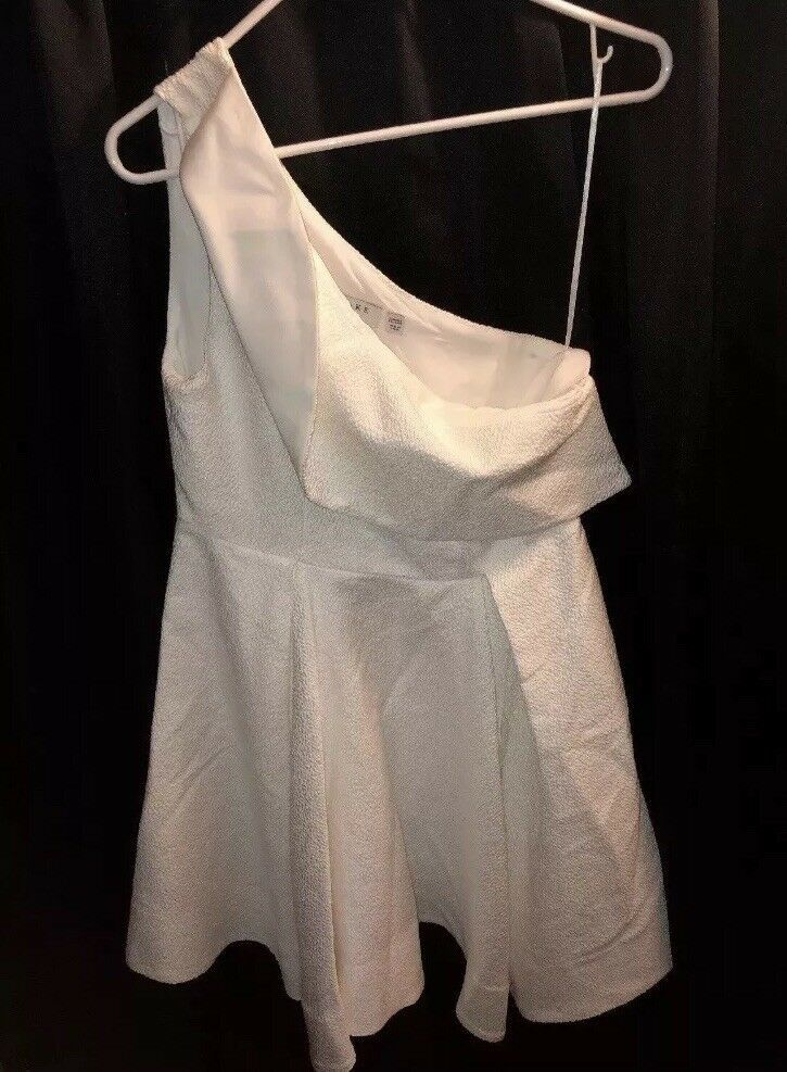 21754275c33 Keepsake Mini Dress White Large Designer Club Dress Dillards - dillards  dresses  dillardsdresses  dresses -  15.00 (0 Bids) End Date  Wednesday  Feb-27-2019 ...