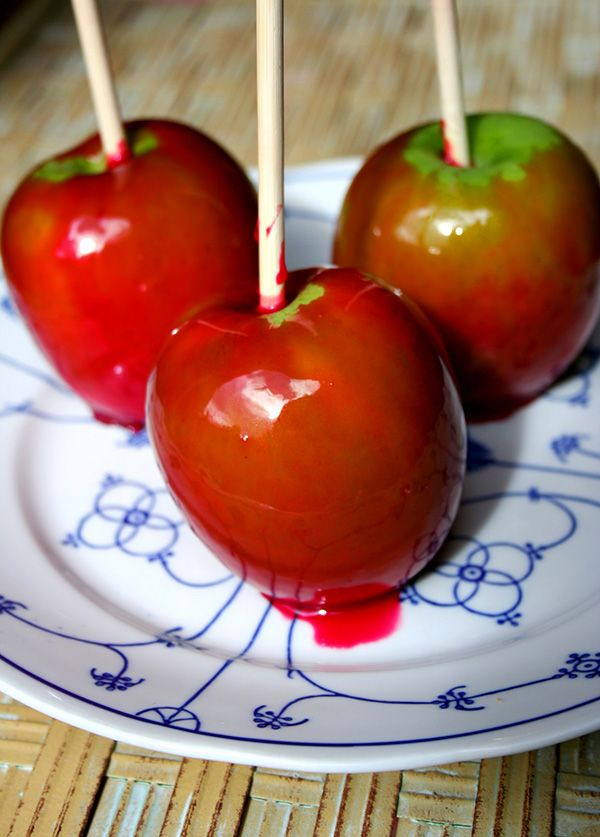 Red Hots Candy Apples from @cakespy