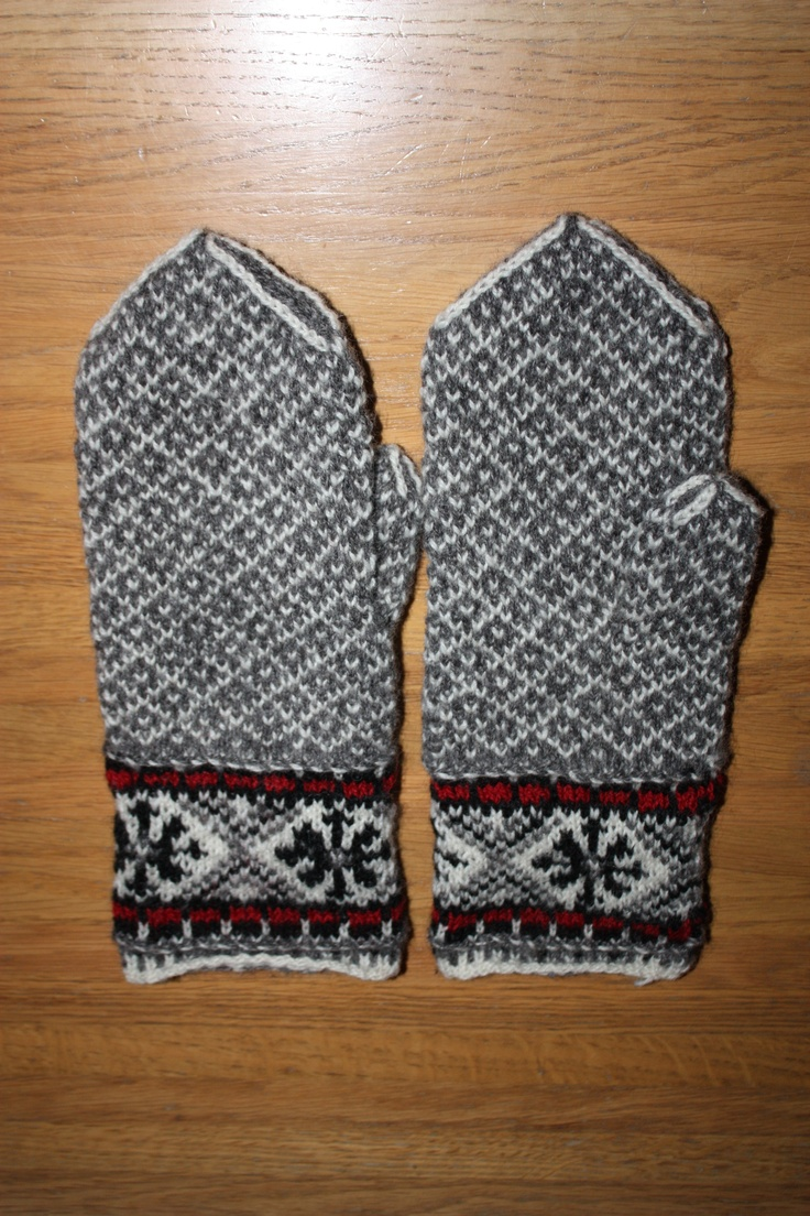 Latvian inspired mittens