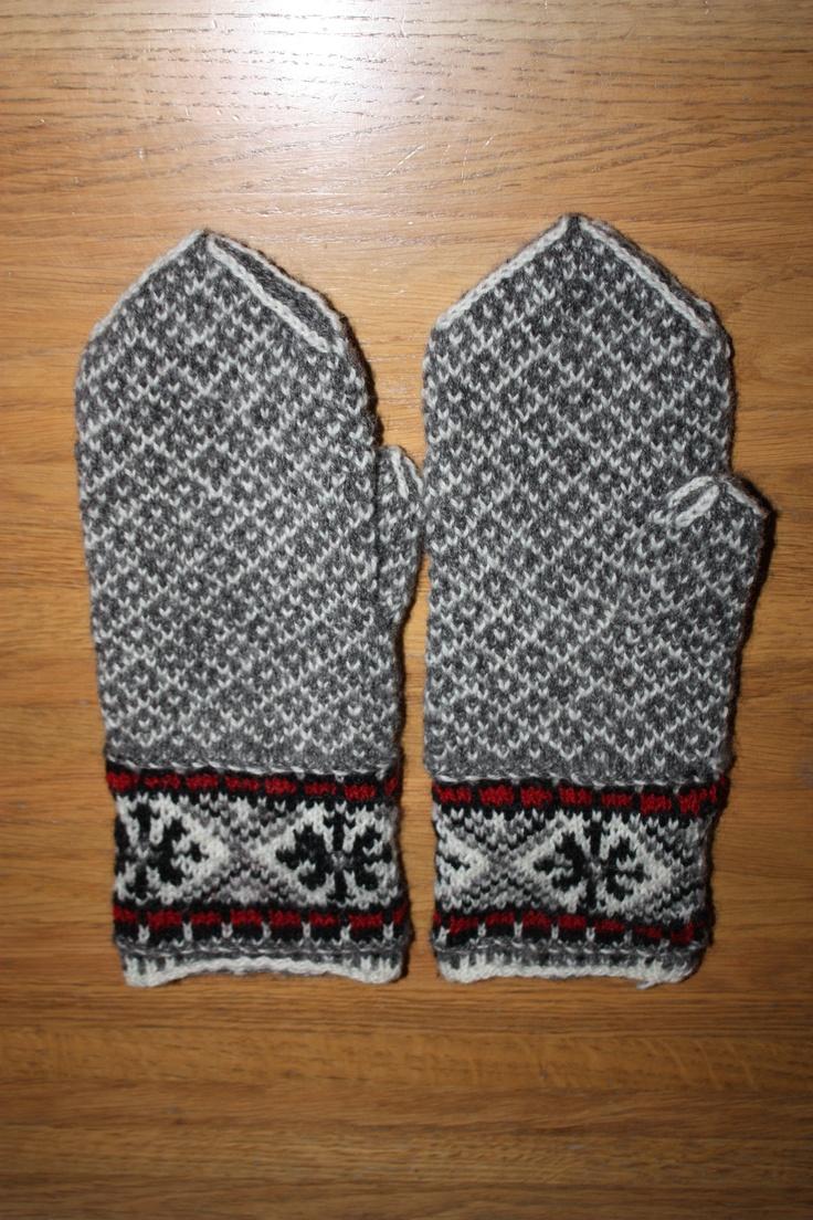 Latvian inspired mittens