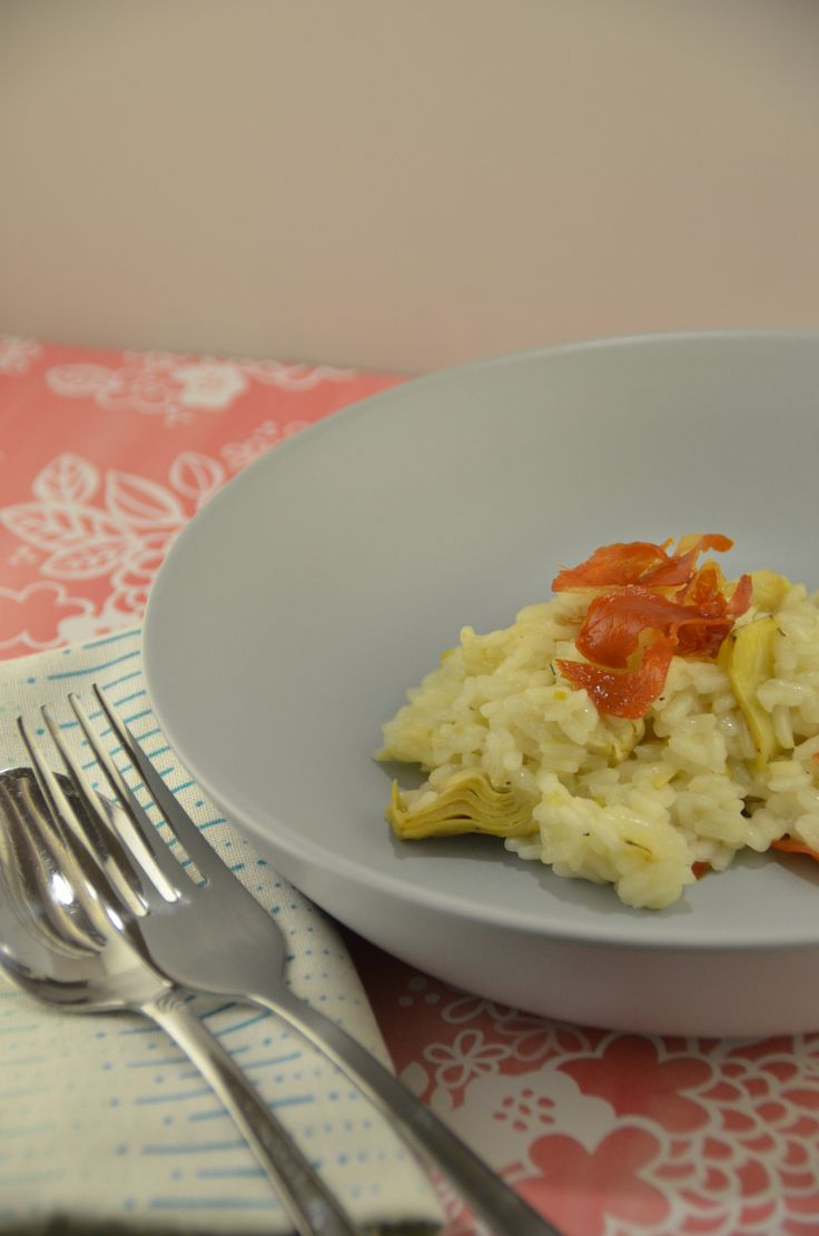 Risotto de alcachofas y jamón serrano crispi / Artichoke and crispy prosciutto risotto