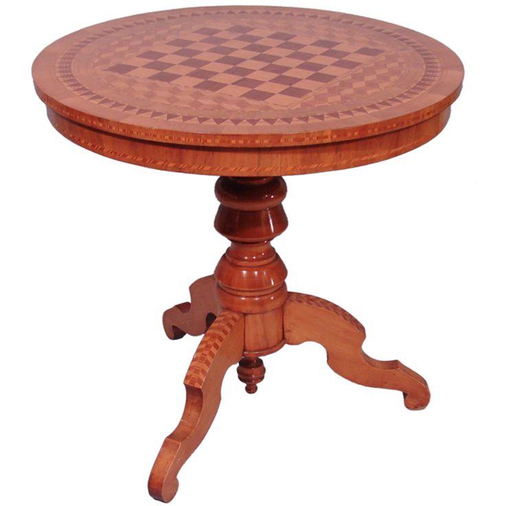 Nineteenth Century Italian Inlaid Walnut Games Table