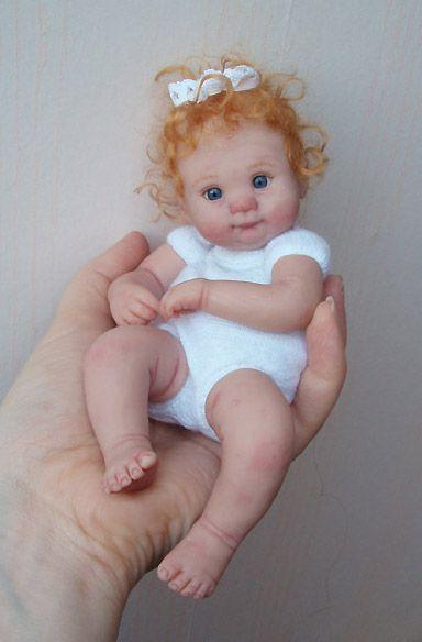 Kim van de Wetering  -  DABIDA  -  Dutch and Belgian Institute of Doll Artists