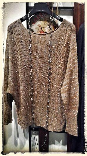Collana pepita collezione made in To. Maglione in misto lana e mohair.