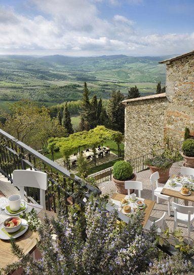 Monteverdi - A retreat in the UNESCO World Heritage Site of the Val d'Orcia, Tuscany - Castiglioncello del Trinoro, Italy - 2012 #architecture #country #italy