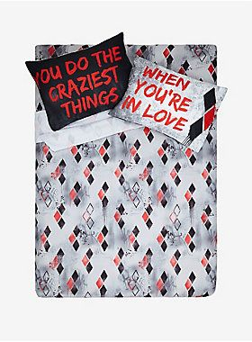 Red, black and awesome all over // DC Comics Harley Quinn Queen Sheet Set
