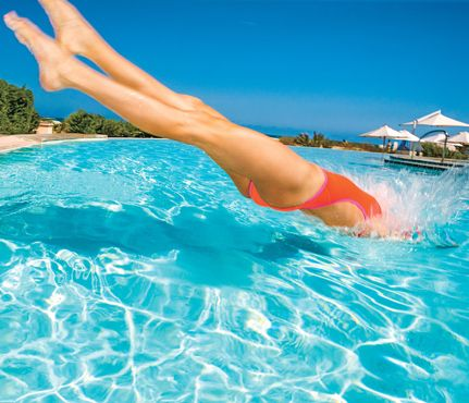 The Ultimate Pool Workout: Workouts: Self.com : Shed pounds in the pool with this cool workout. It's a hot-day hit that will get results fast. #SELFmagazine