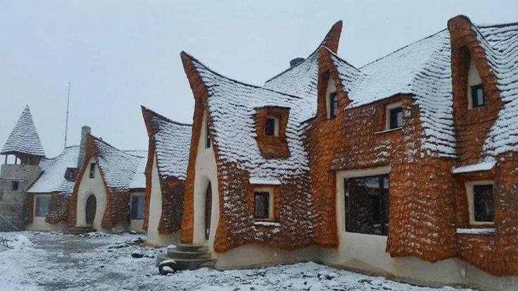 Romanian fairy tale lodge (Castelul de Lut) - Valea Zanelor, Sibiu, Romania