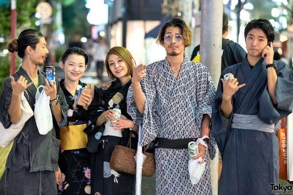 Japanese Yukata Pictures in Harajuku at Jingu Gaien Fireworks Festival