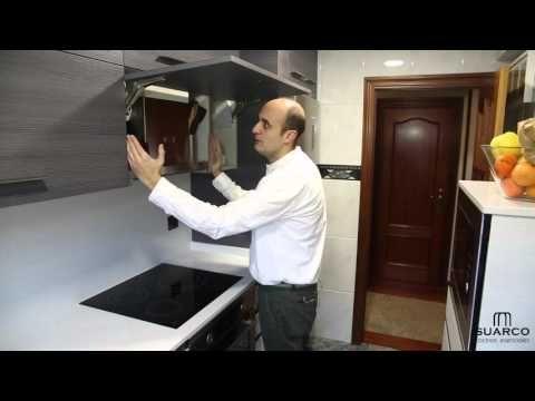 (2) Una cocina pequeña moderna aprovechada al máximo con encimera de silestone - YouTube