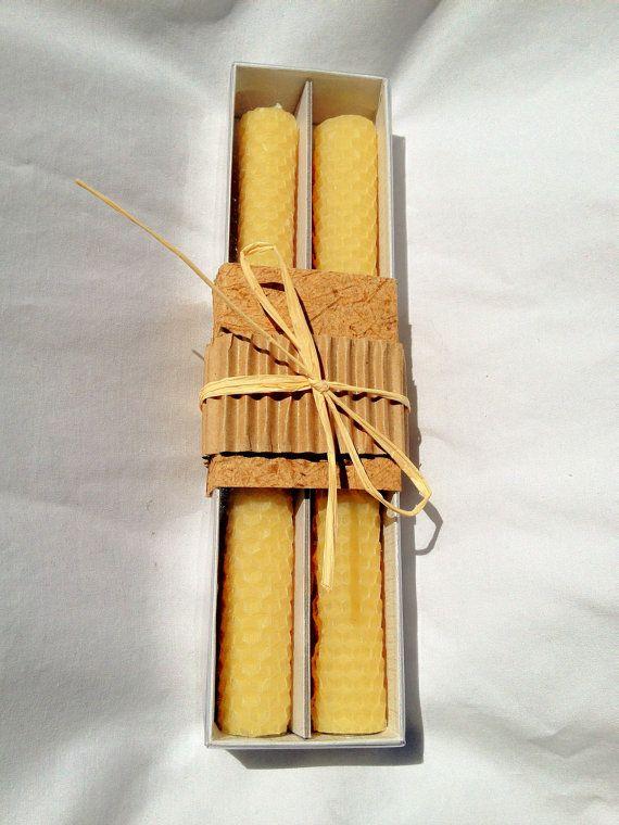 Des bougies 100 % cire d'abeille pure main roulé en par beerealco