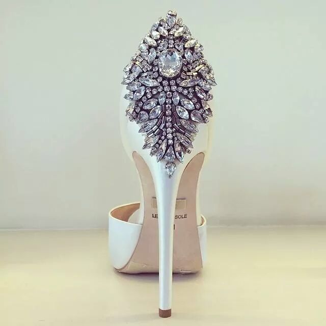 Omg that is the most gorgeous shoe I have ever seen !