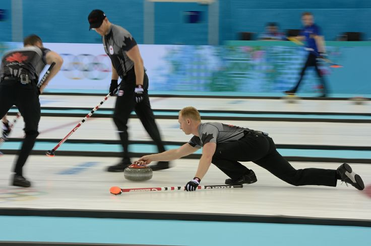 L'équipe masculine candienne de curling a vaincu la Grande-Bretagne 7-5 lors de la 9e ronde, le samedi 15 février.
