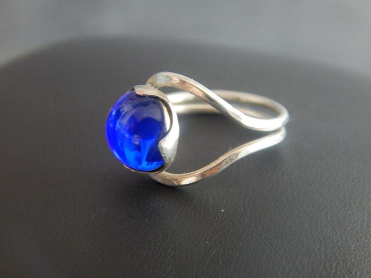 """Bague """"Aya"""" argentée et bleu électrique : Bague par bijou-lie"""