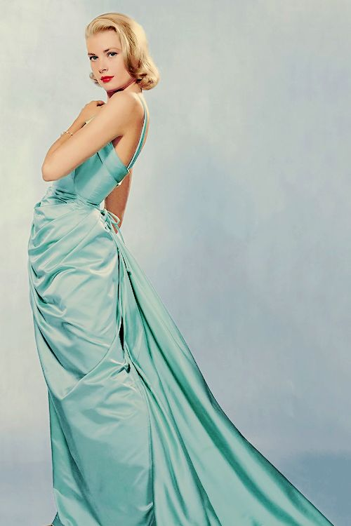 vintagegal:  Grace Kelly wearing an Edith Head gown, photographed by Philippe Halsman, 1955 (via)