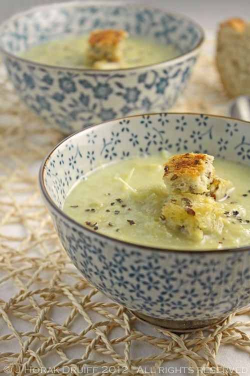 Cream of asparagus soup #recipe (#vegetarian and naturally #gluten-free) - cooksister.com