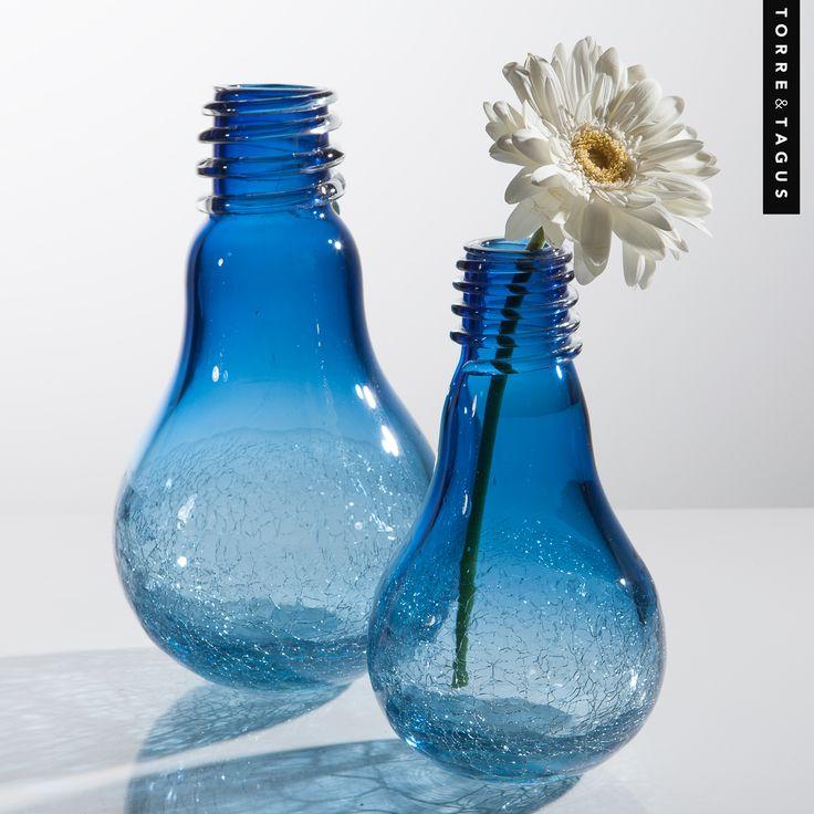 Bring some electric energy to any room with these bright blue, vintage inspired Lightbulb Crackle Glass Vases. #TorreAndTagus #LightbulbCrackleVase #ColourYourHome #HomeDecor www.torretagus.com