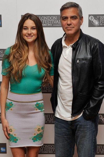 "Shailene Woodley Photos Photos - Actress Shailene Woodley (L) and actor George Clooney attend ""The Decendants"" photocall during the 55th BFI London Film Festival at Odeon West End on October 20, 2011 in London, England. - The Decendants - Photocall:55th BFI London Film Festival"