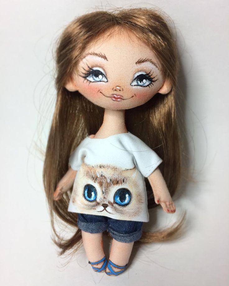 New girl! #montreal #quebec #puppies #doll #dolls #travauxdaiguille #couturière #handmade #poupée #canada #artisanale #Christmas #noël #artdoll #artdolls #handmadedoll #Новенькая #святонаближається  #Montreal #Ukrainian