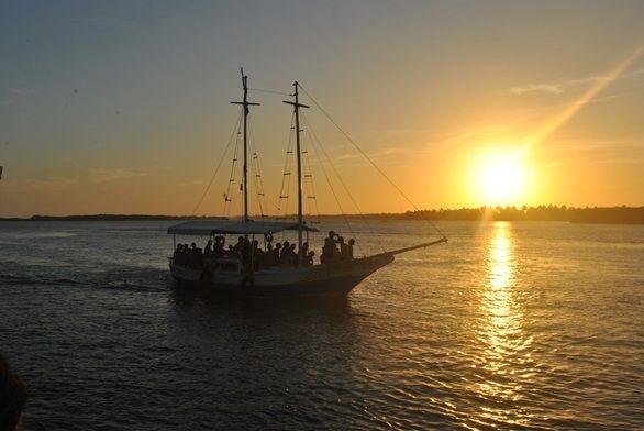 Passeio das 9 ilhas. Pôr do Sol. Foto: Restaurante Ancoradouro